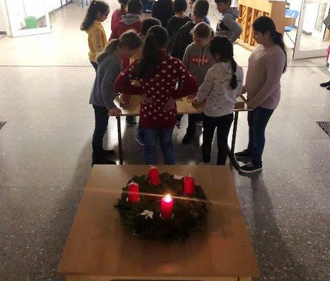 Weihnachtssingen mit Vorführung